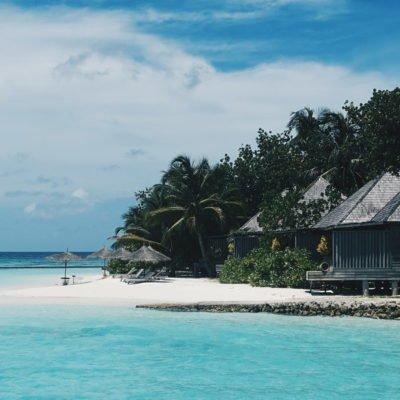 Strand auf den Malediven mit Meer, CC0 Creative Commons