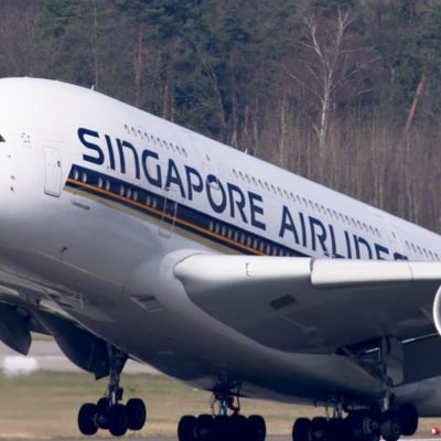 Flugzeug beim Start, Singapore Airlines, CC0 Creative Commons
