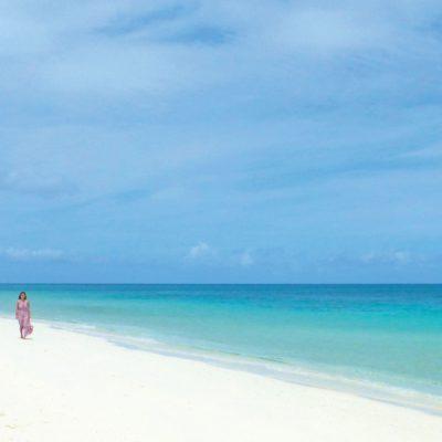 Carolin Weinhold am Strand auf COMO Parrot Cay