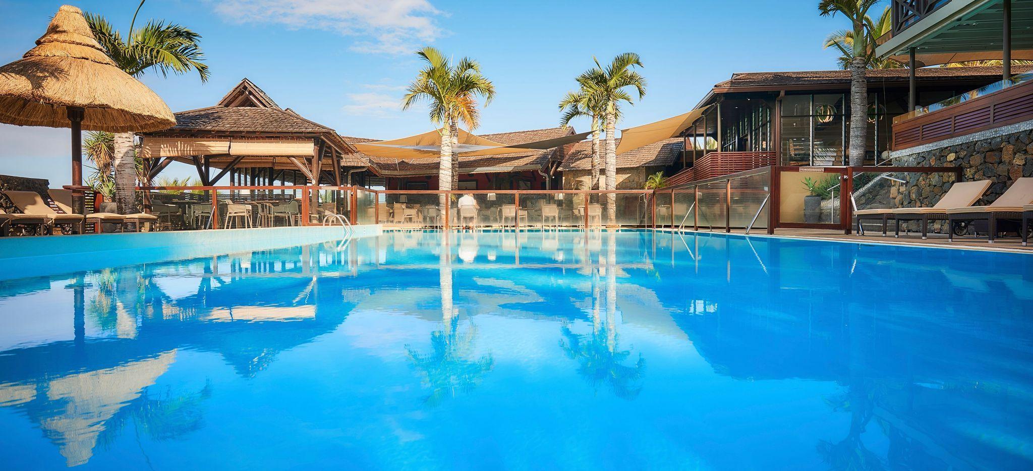Der Hauptpool- Bereich des Hotels Iloha