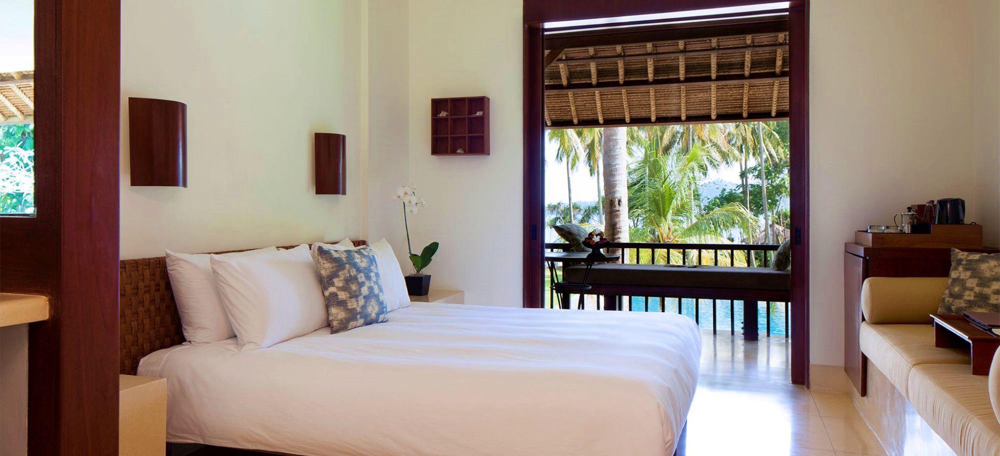 Hotelzimmer mit Blick auf den tropischen Garten, im Hotel Alila Manggis