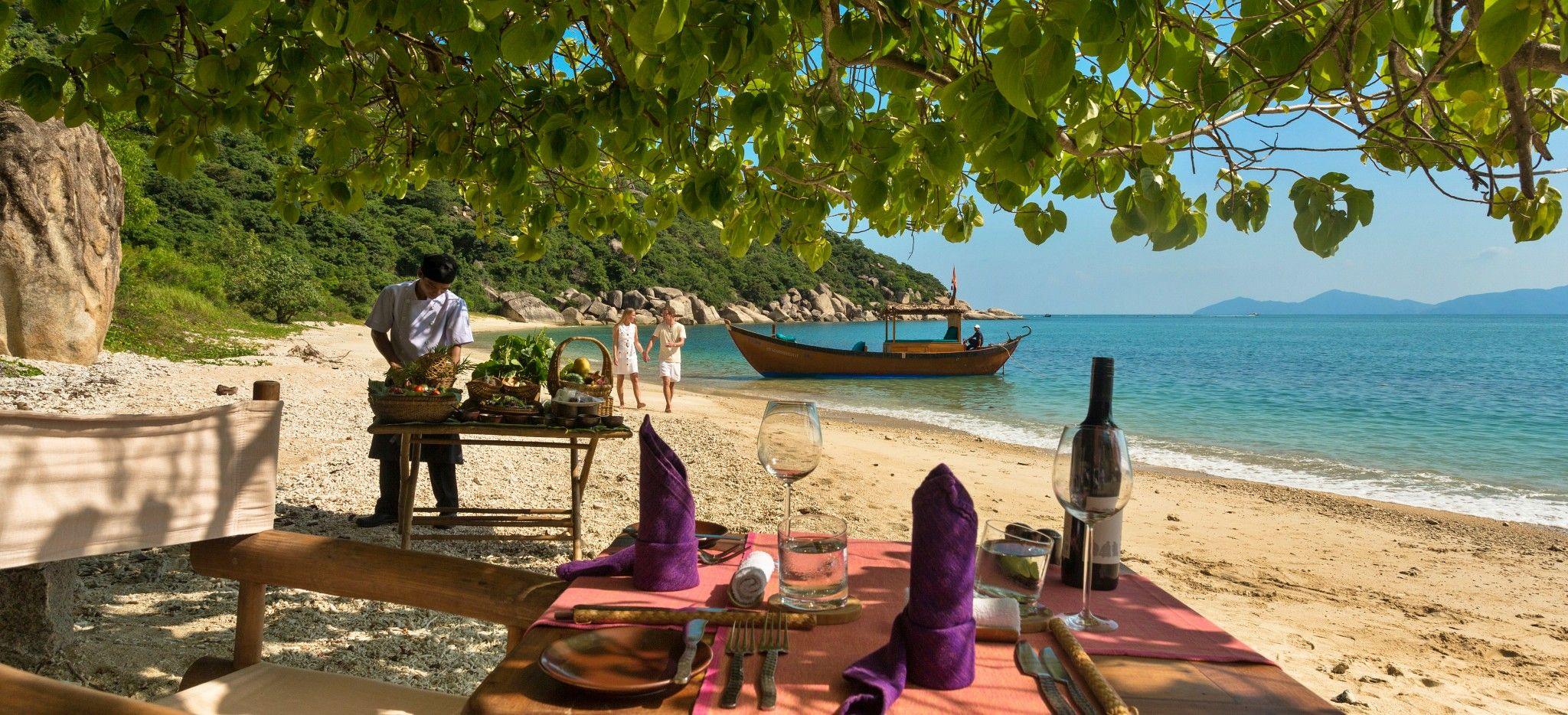 Vorbereitungen für ein privates Picnic am Strand