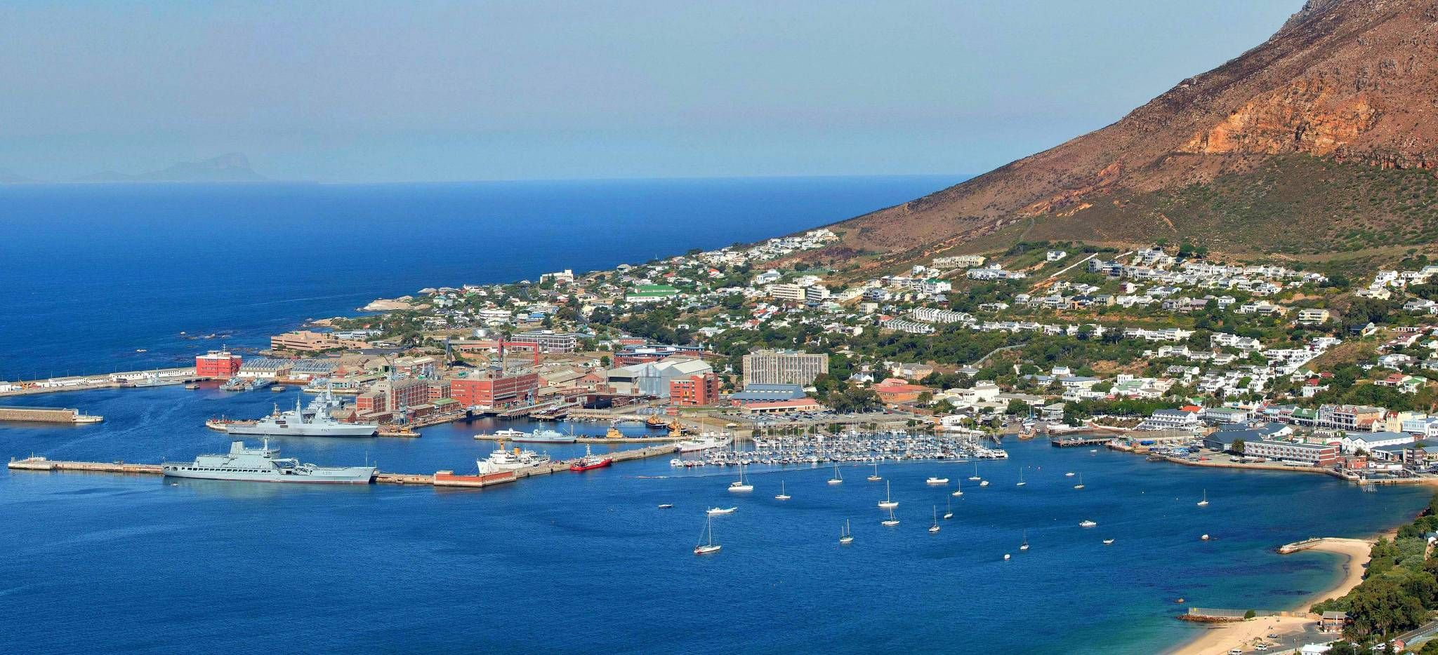 Die Küste von Kapstadt, von einem Hügel aus gesehen, Südafrika