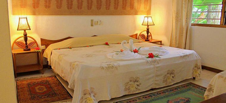 Schlafzimmer mit Bettdekoration