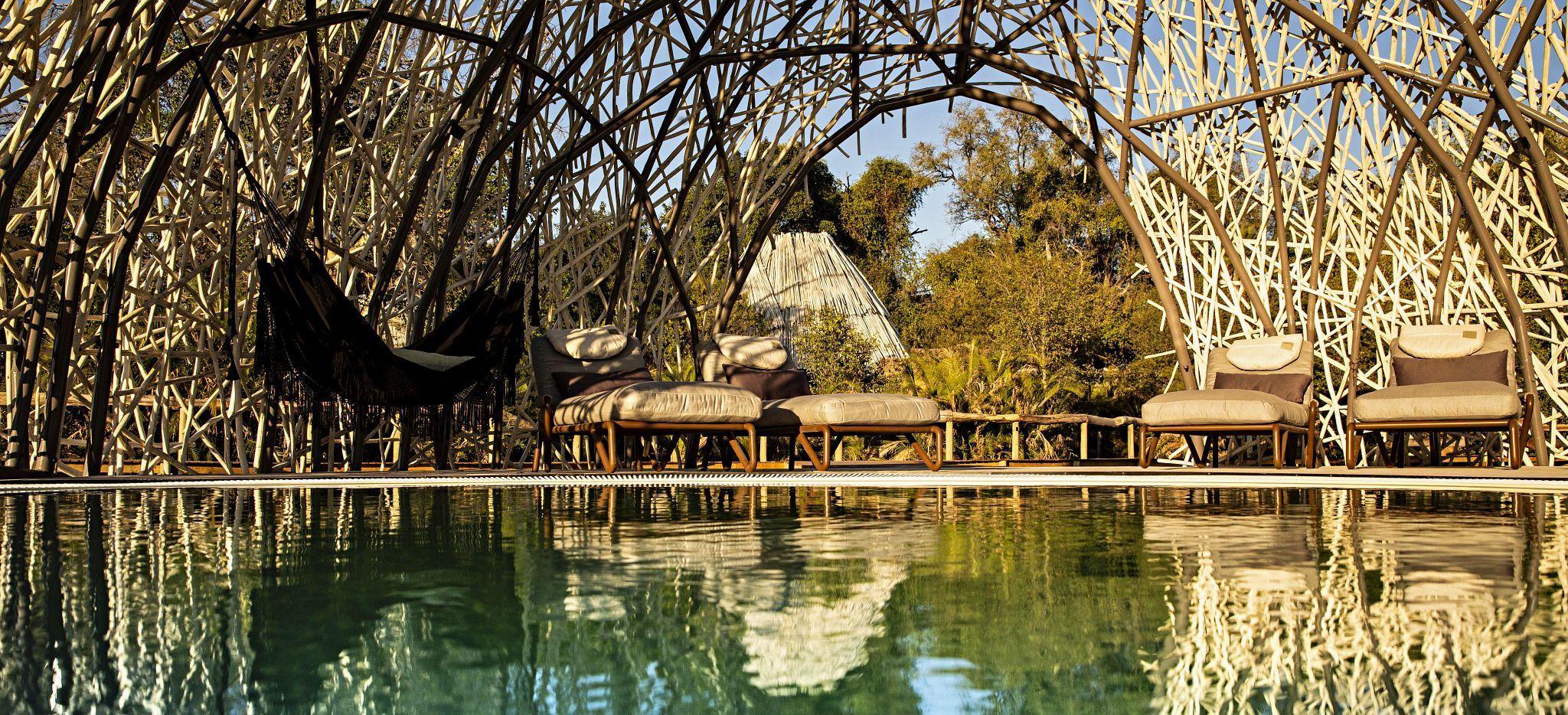 Der Hauptpool des Jao Camp, Botsuana