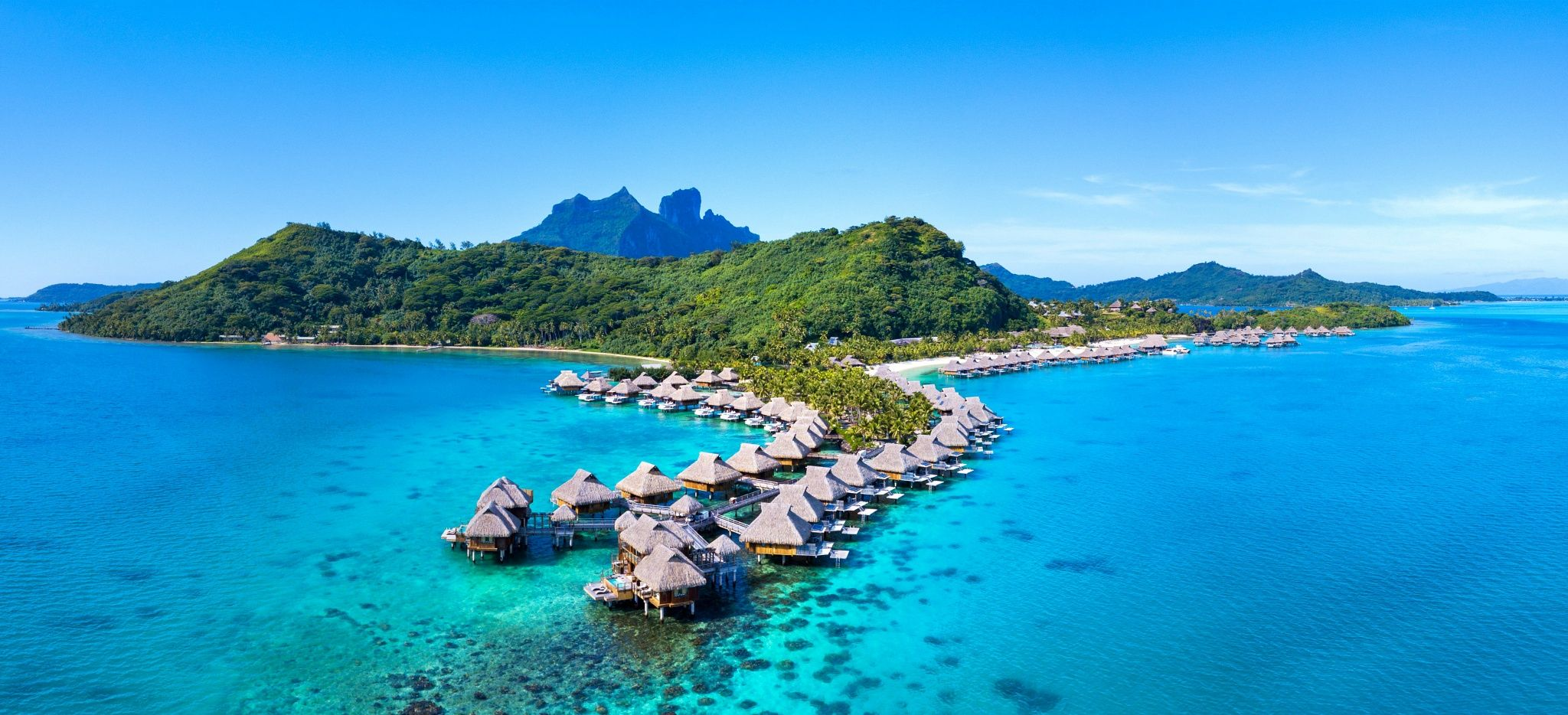Das Hotel Conrad Bora Bora Nui in Luftaufnahme