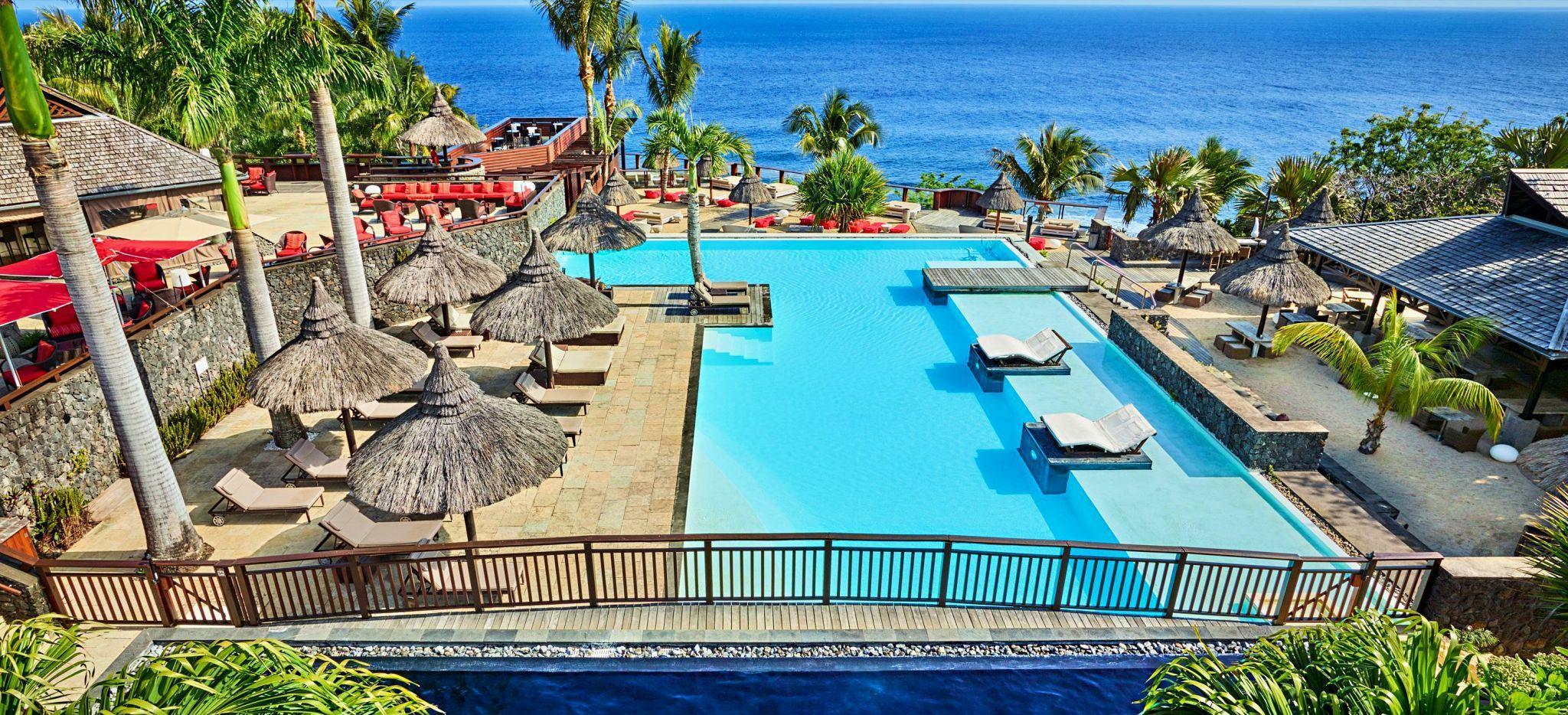 Der Hauptpool-Bereich des Hotels Palm auf la Réunion