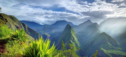 Grüne Berglandschaft auf la Réunion