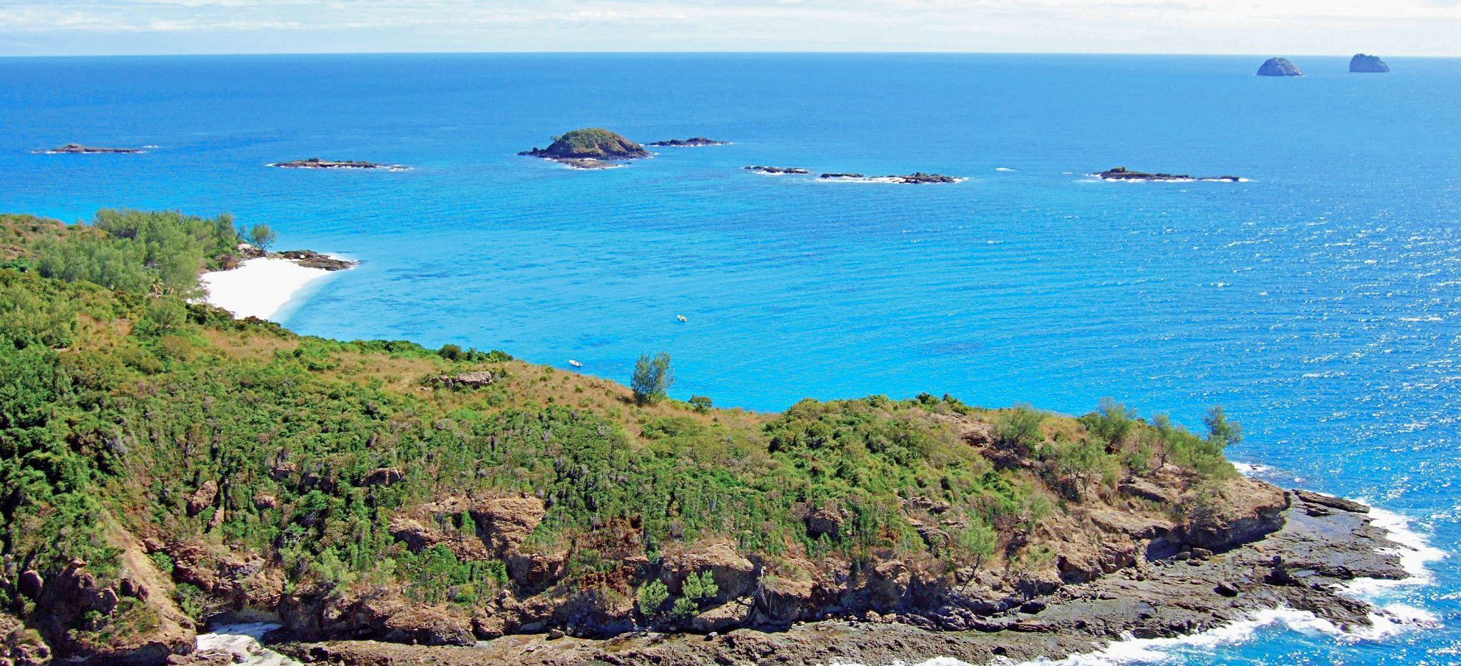 Luftaufnahme der Insel Constance Tsara Banjina