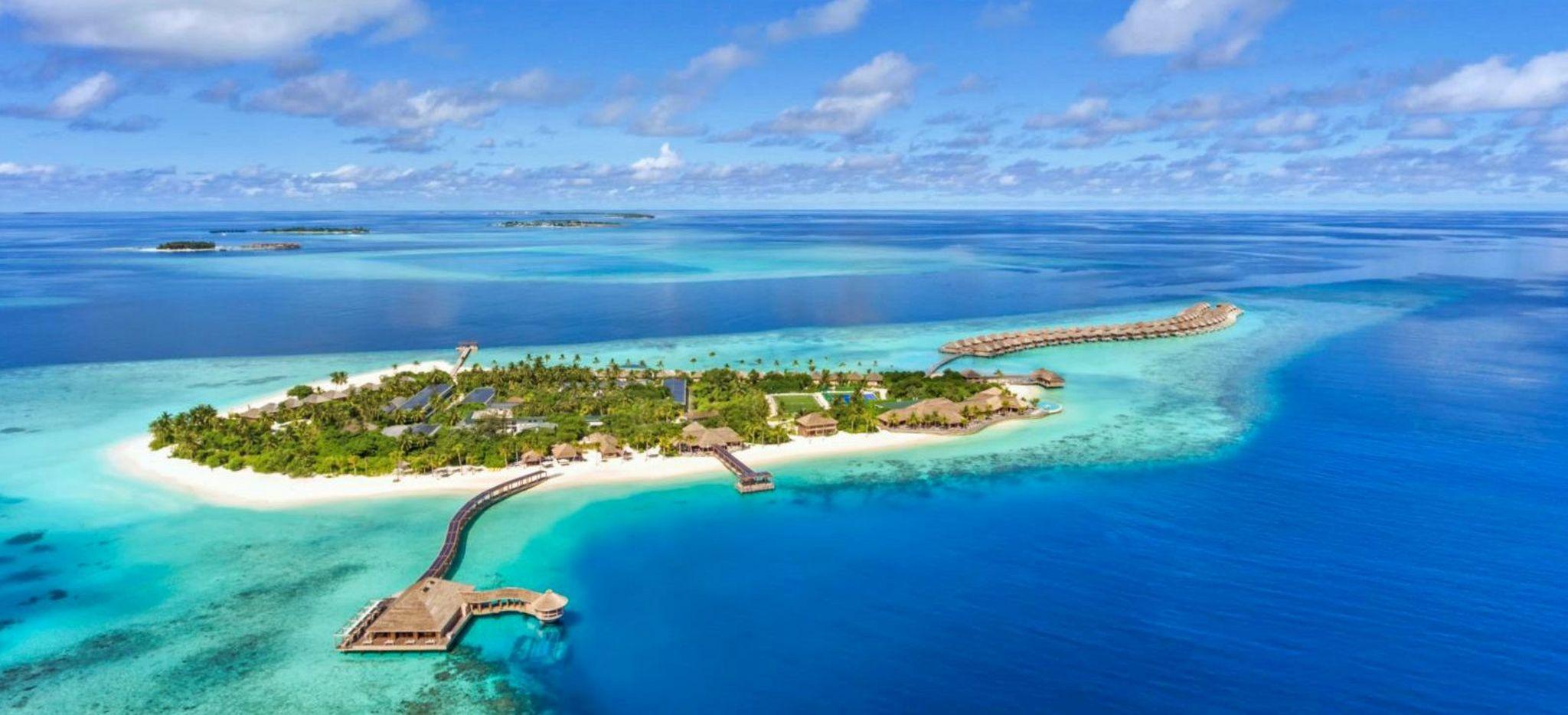 """Luftaufnahme der Malediven-Insel """"Hurawalhi"""""""