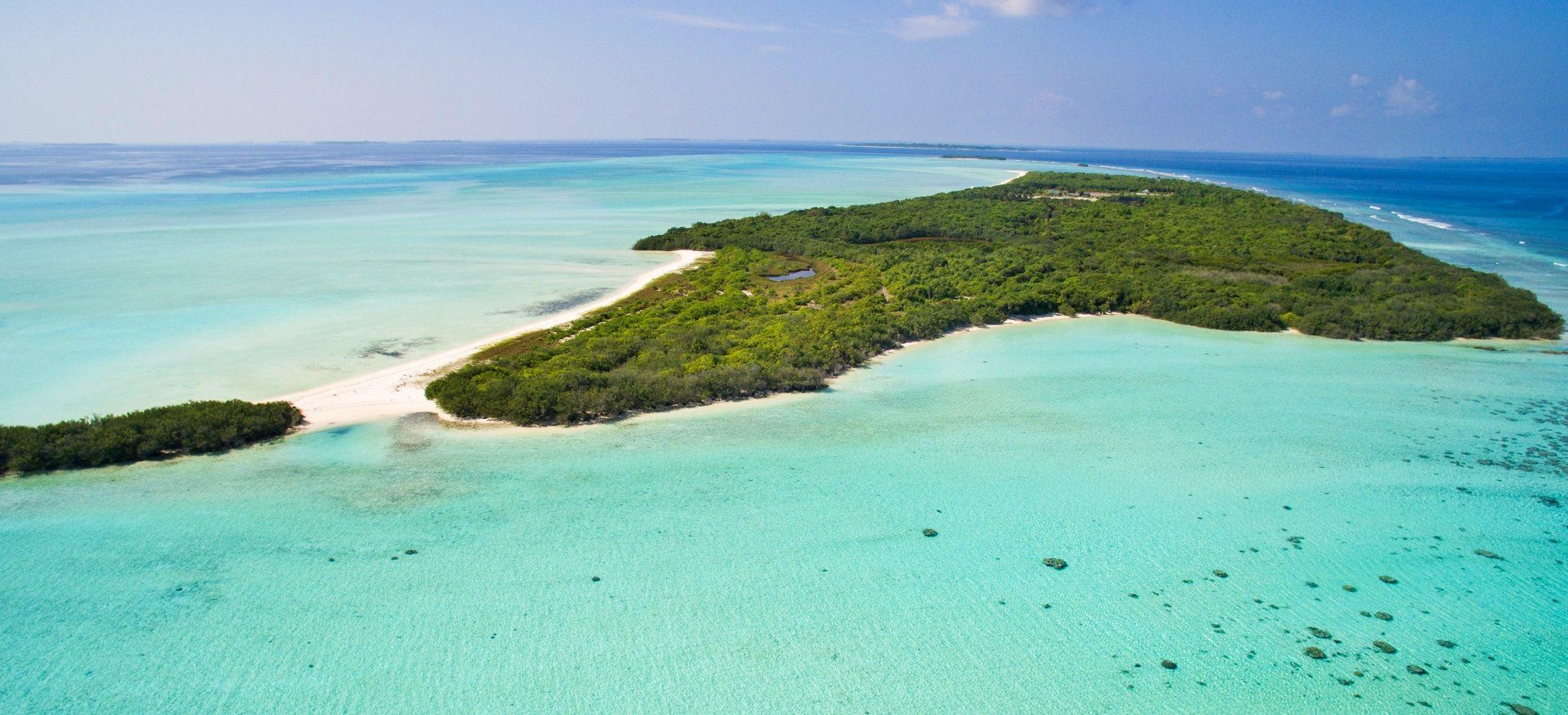 """Luftaufnahme der Resortinsel """"Soneva Jani"""" auf den Malediven"""