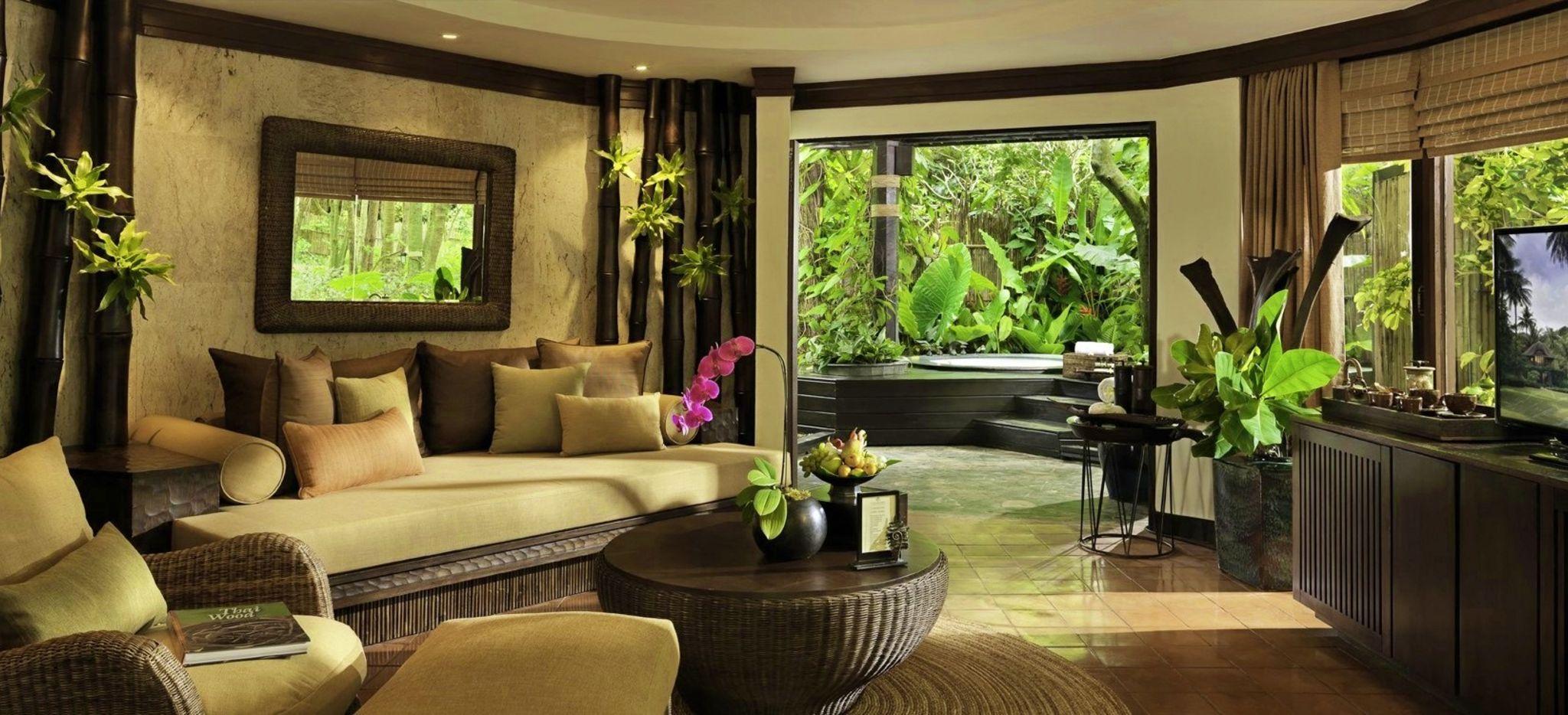 Ein großes, gemütliches Wohnzimmer im Hotel Rayavadee