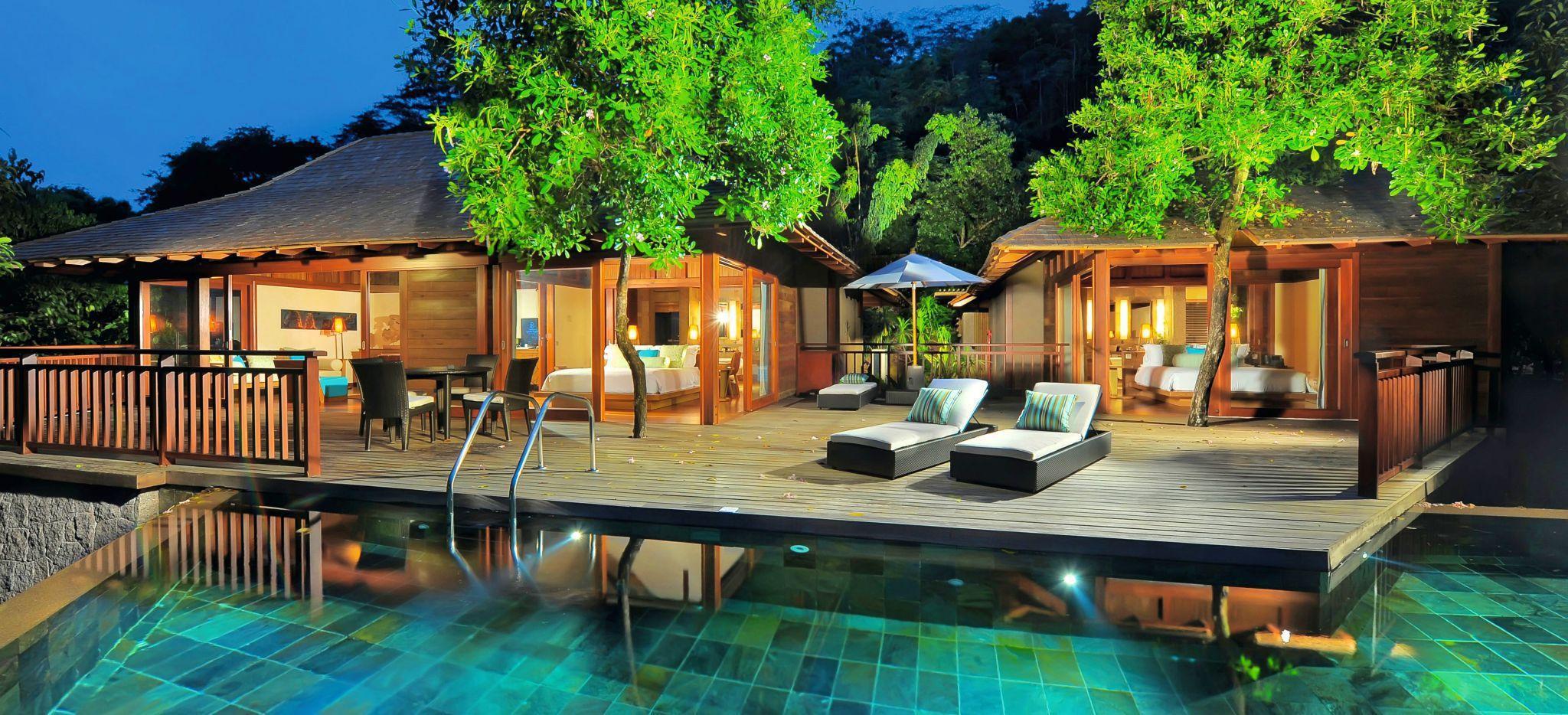 Terrasse und privater Pool