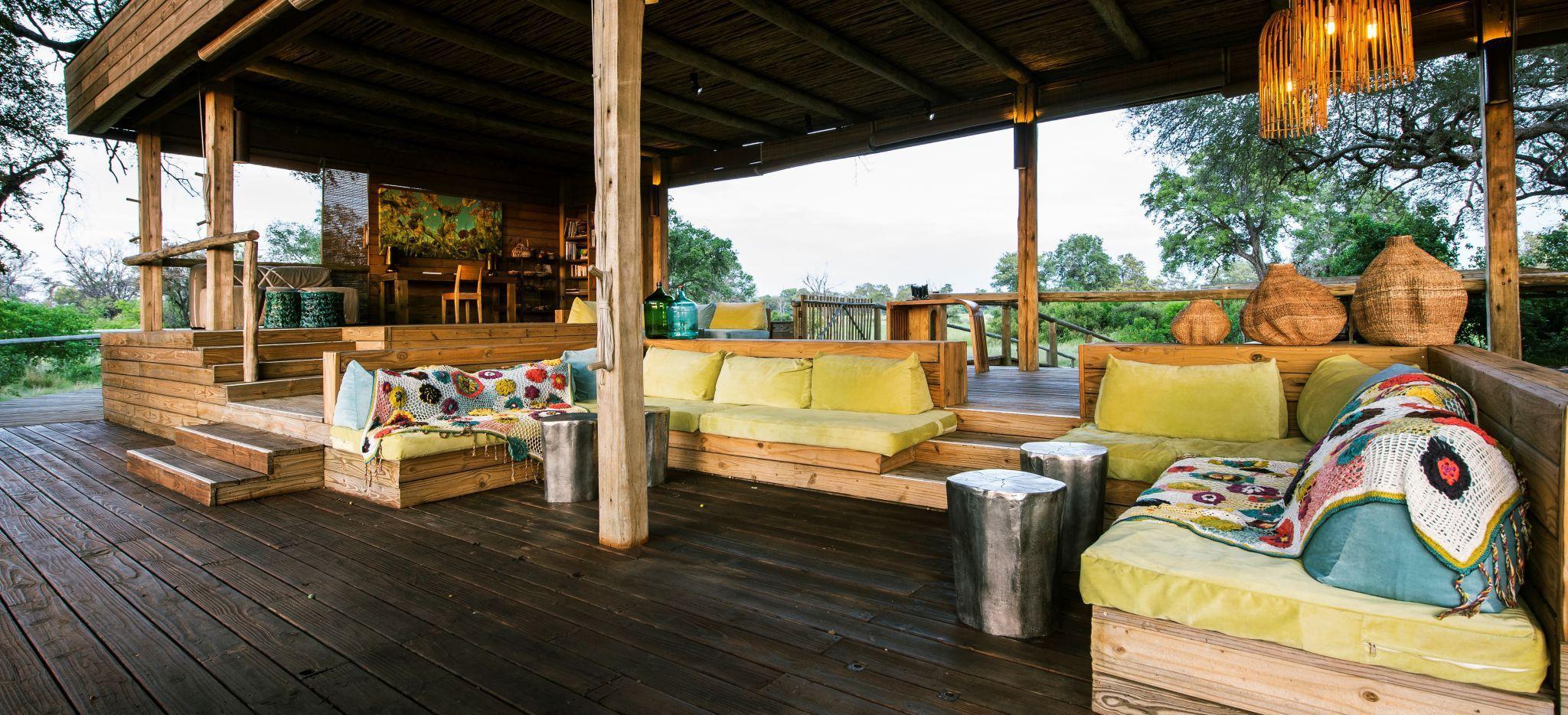 Lounge des Vumbura Camp in Botswana