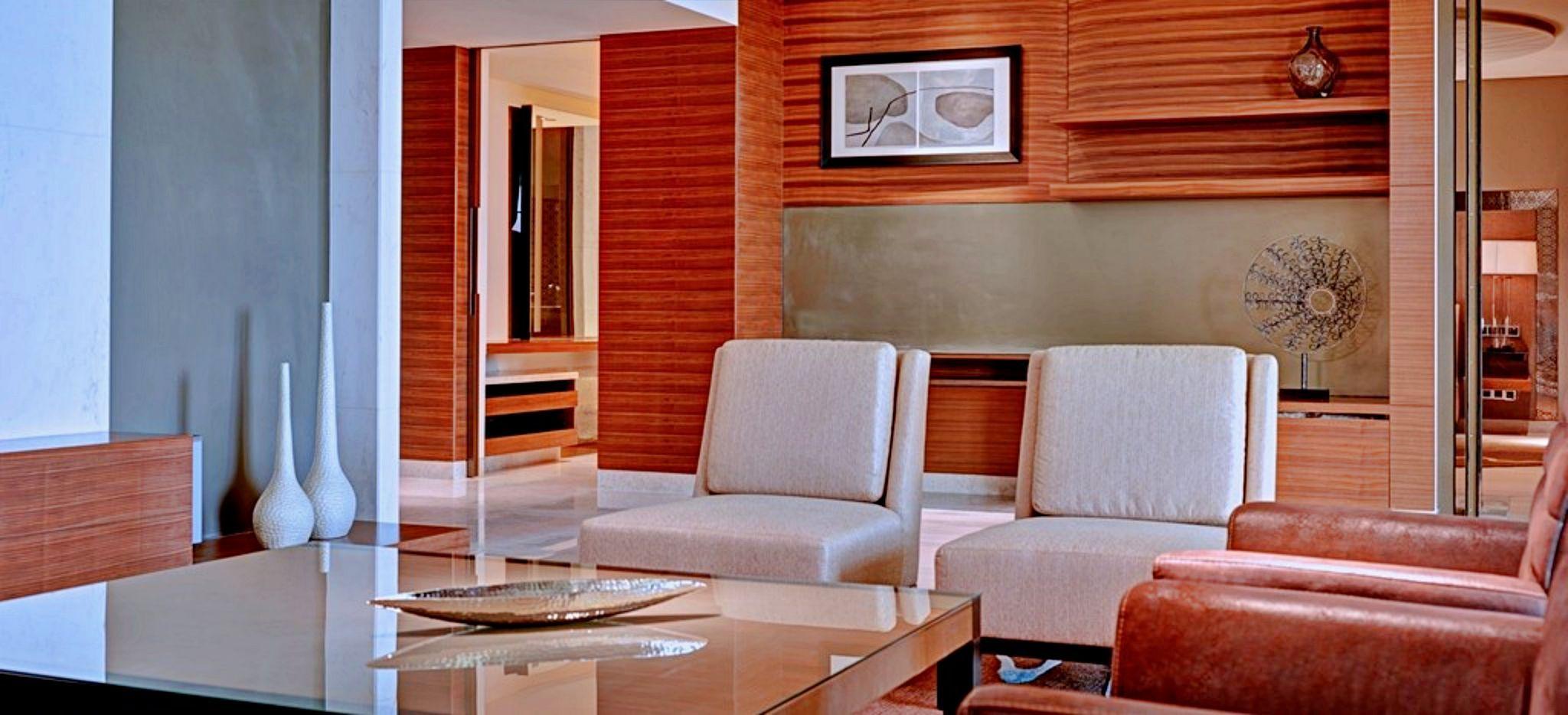 Lounge der Diplomat Suite im Hotel Park Hyatt Abu Dhabi